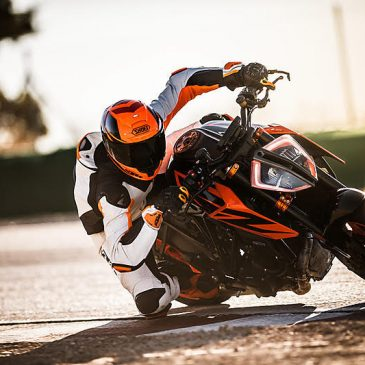 2019 KTM 1290 Super Duke R Promotion